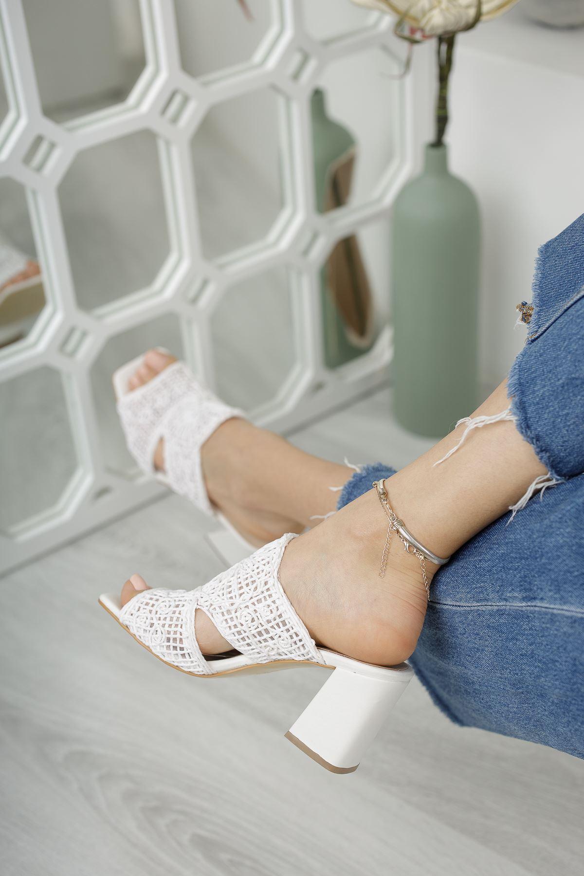 Kadın Darok Kısa Topuklu Örgü Detay Beyaz Terlik