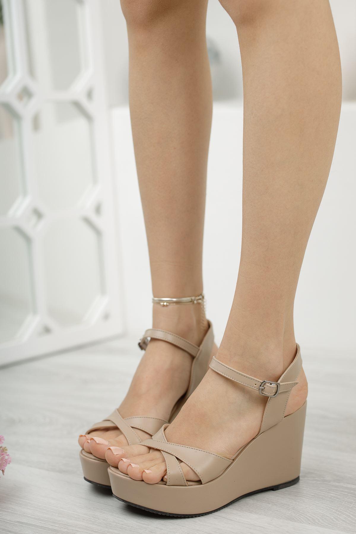 Kadın Dogis Çapraz Bantlı Ten Dolgu Topuklu Ayakkabı