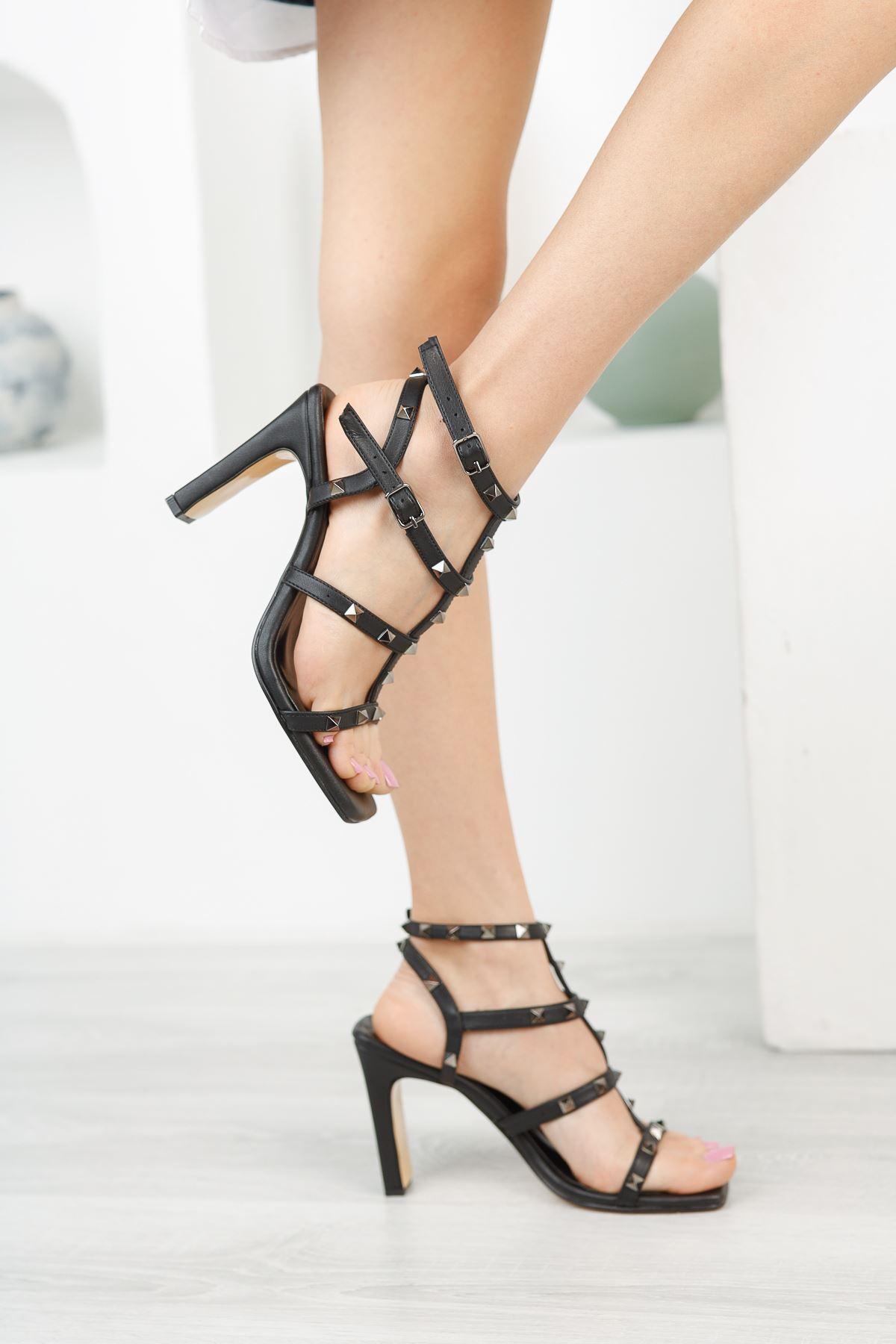 Kadın Vensi Trok Detaylı Siyah Topuklu Ayakkabı