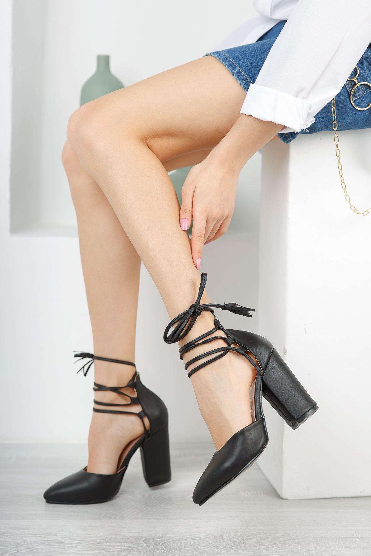 Kadın Marina Mat Deri Siyah Topuklu Ayakkabı