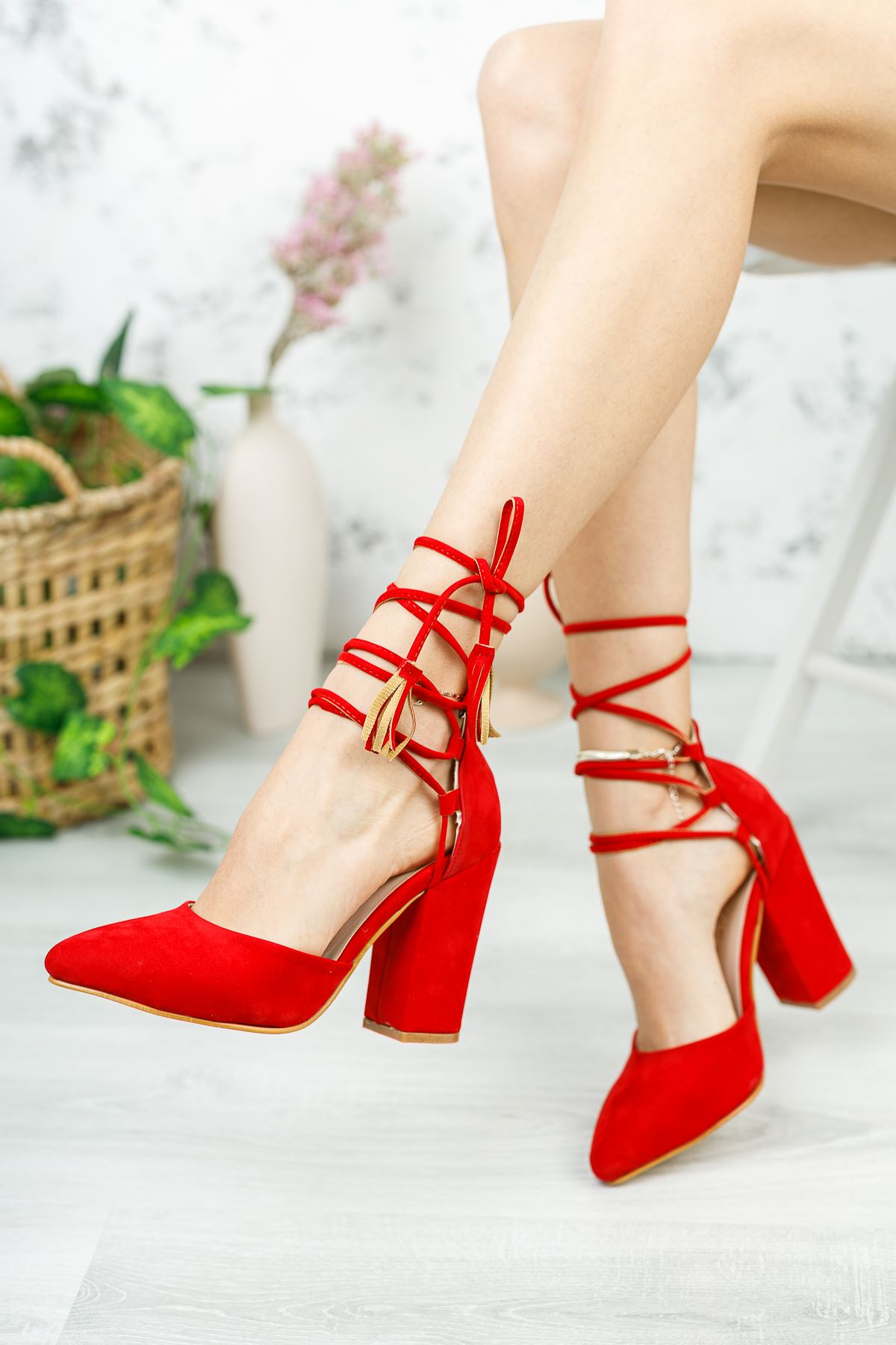 Kadın Marina Kırmızı Süet Topuklu Ayakkabı