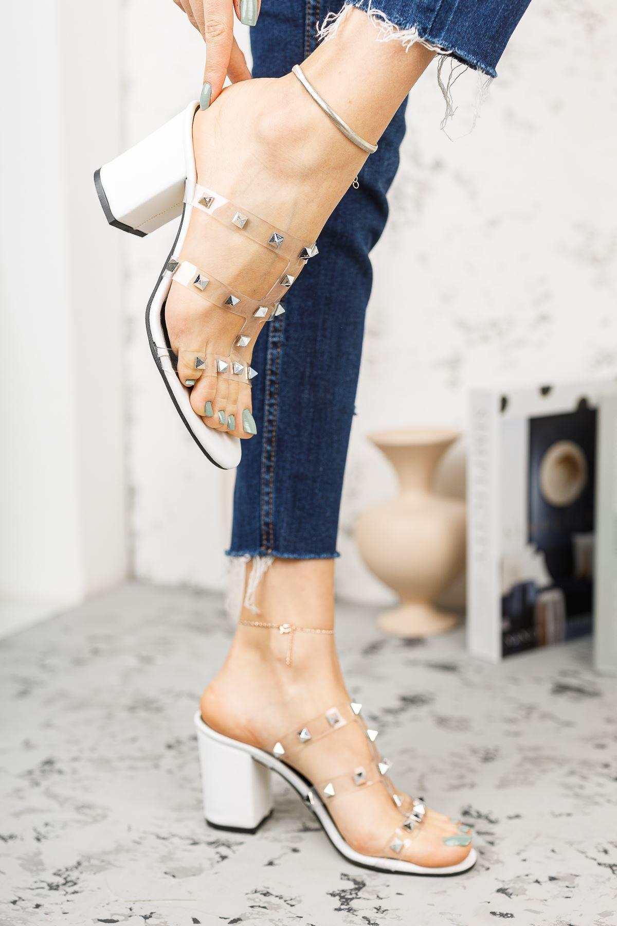 Kadın Sendi Trok Detaylı Şeffaf Beyaz Topuklu Terlik
