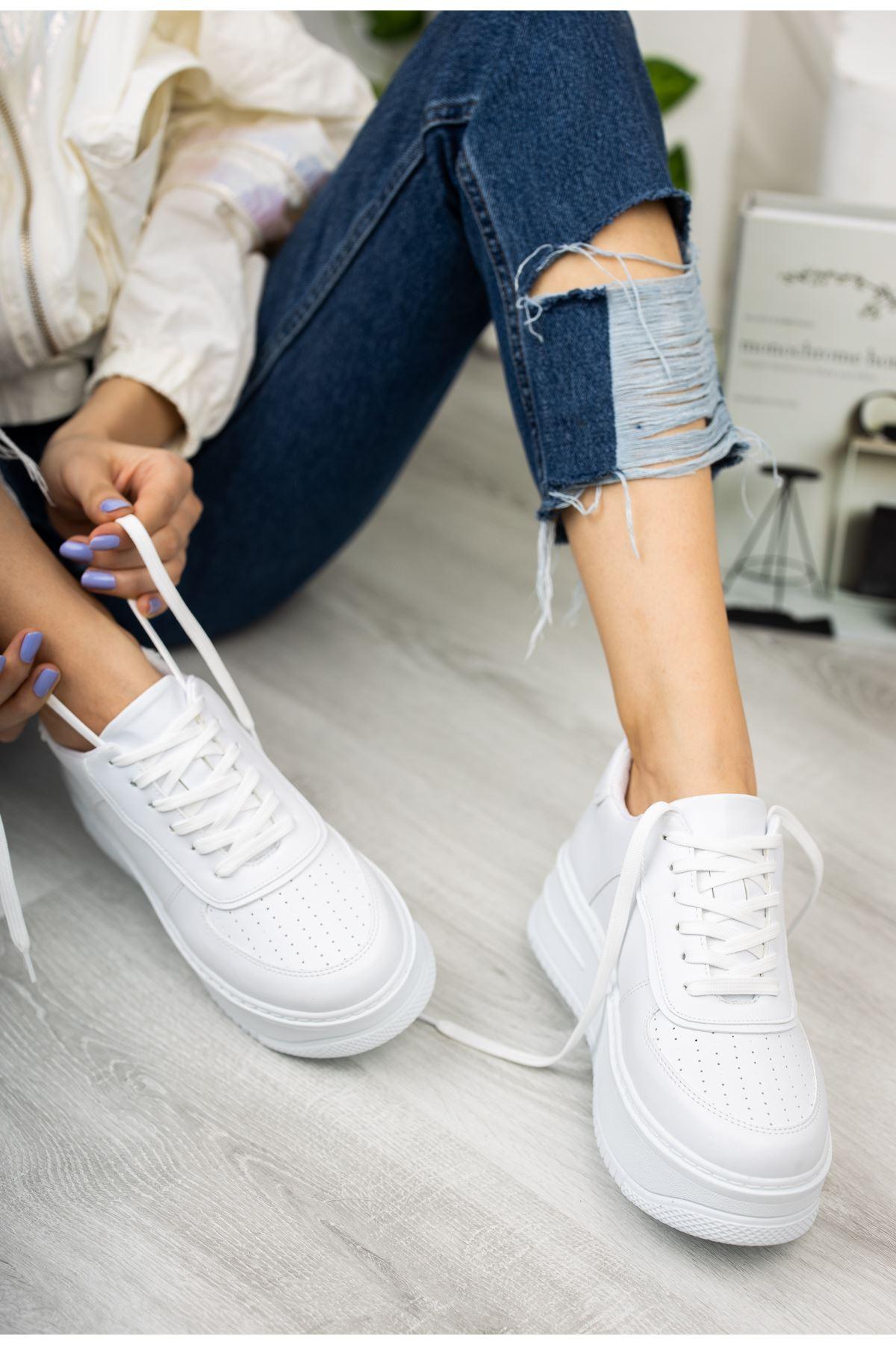 Kadın Rascon Kalın Taban Bağcıklı Beyaz Spor Ayakkabı