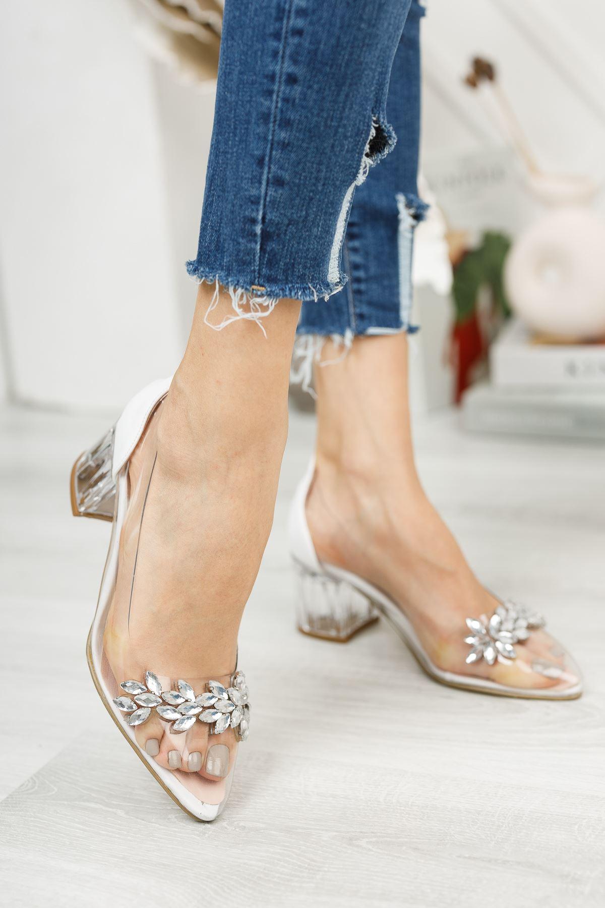 Kadın Sindi Taş Detaylı Beyaz Şeffaf Topuklu Ayakkabı