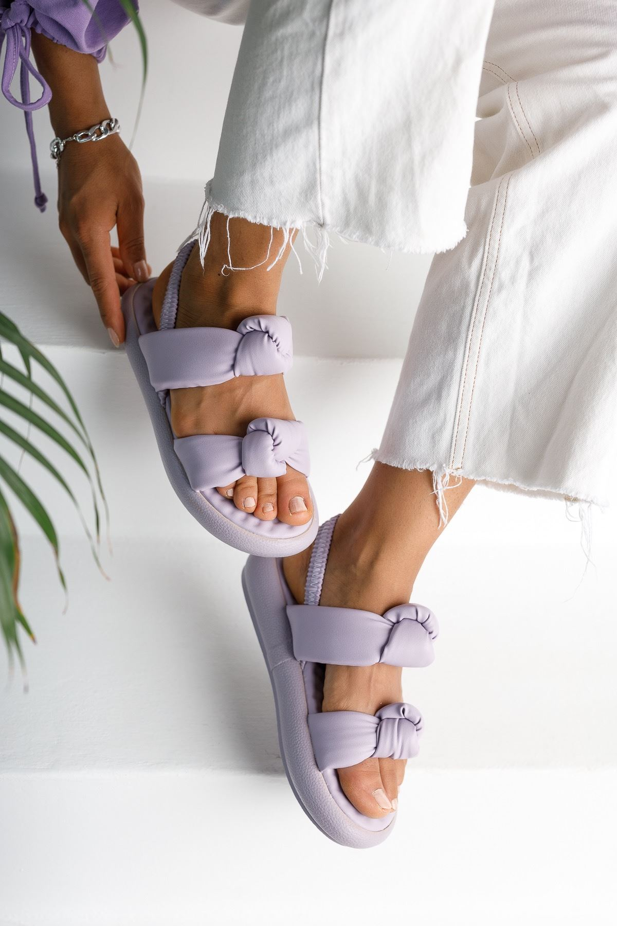Kadın Rosso Mat Deri Bağlama Detaylı Lila Sandalet