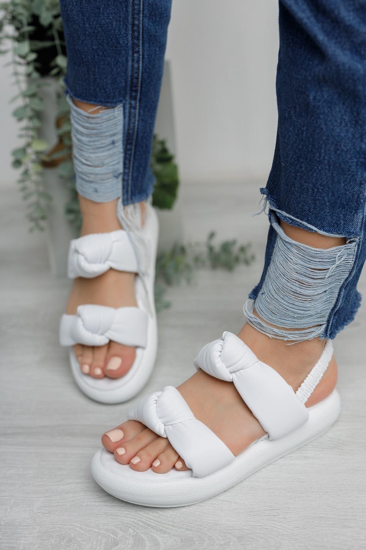 Kadın Rosso Mat Deri Bağlama Detaylı Beyaz Sandalet