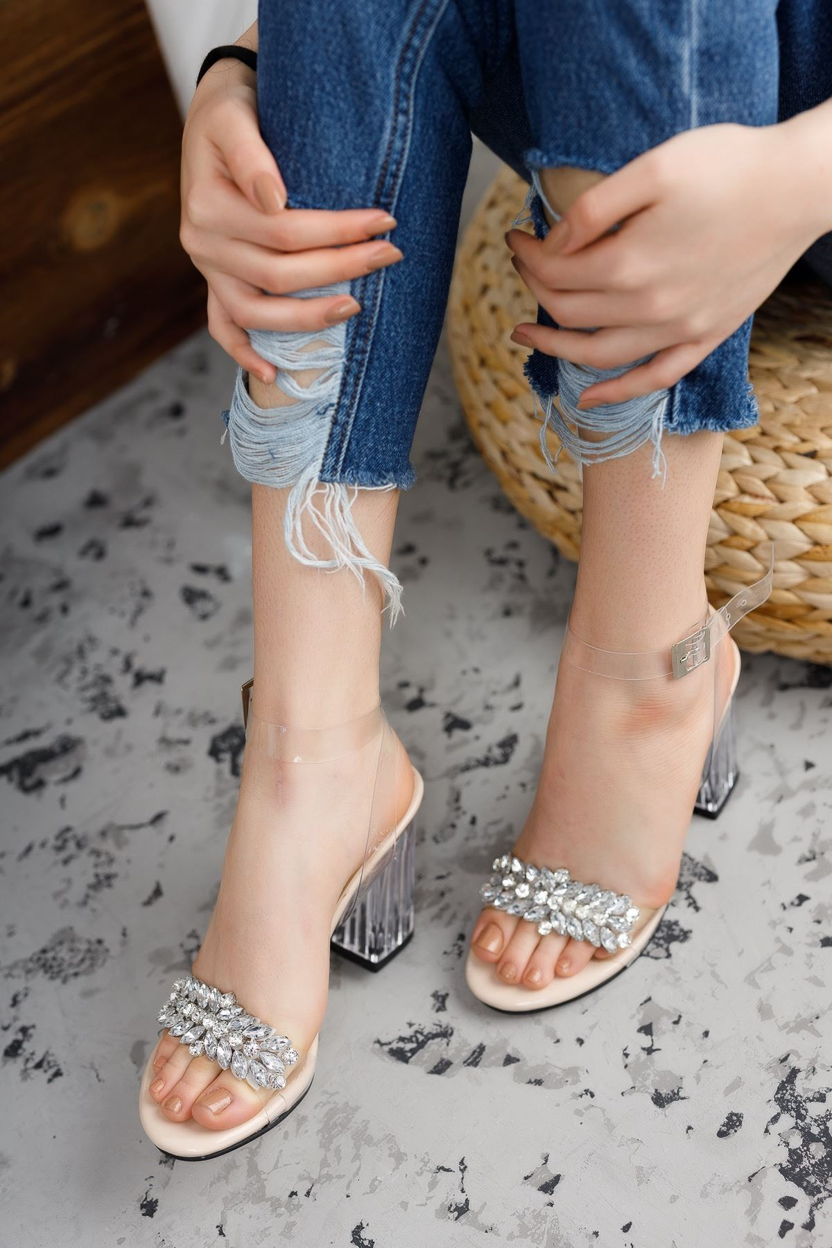 Kadın Madinda Taş Detaylı Nude Şeffaf Topuklu Ayakkabı