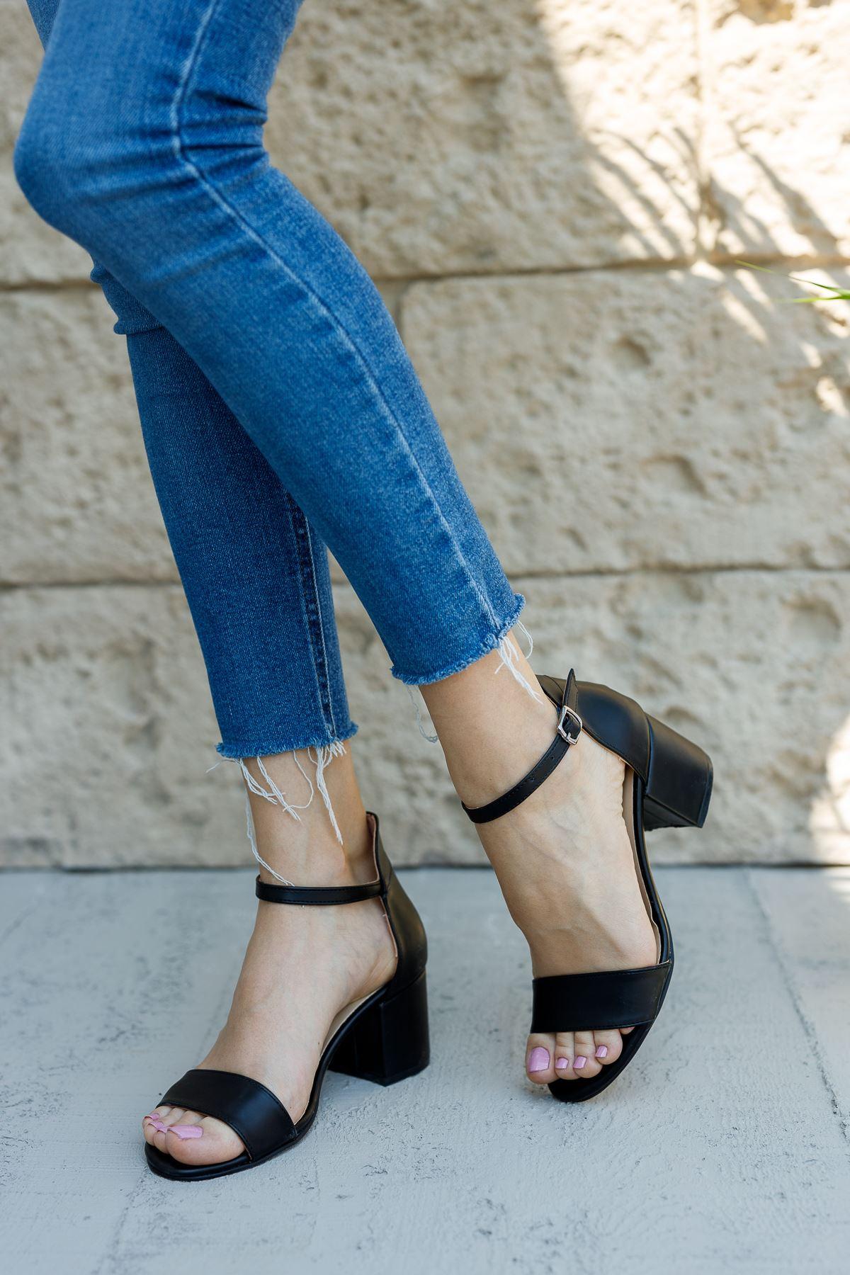 Kadın Lord Mat Deri Siyah Kısa Topuklu Ayakkabı