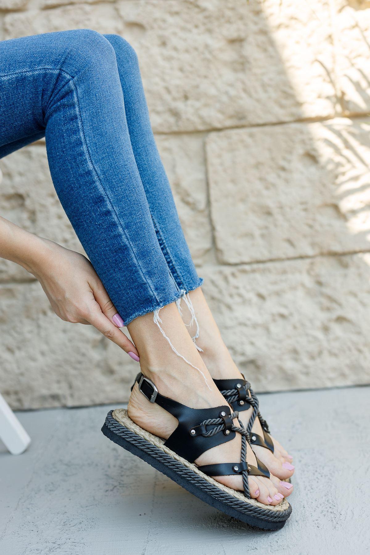 Kadın Buke Parmak Arası Siyah Sandalet