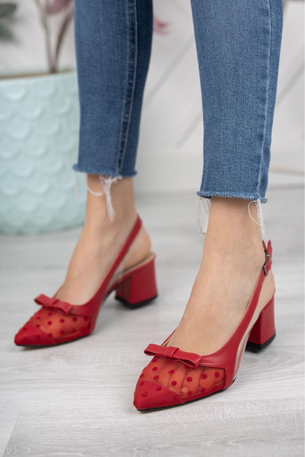 Kadın Nesta Sivri Burun Kırmızı Puantiyeli Mat Deri Topuklu Ayakkabı