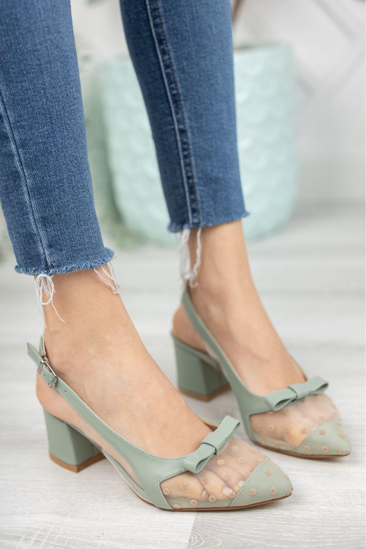 Kadın Nesta Sivri Burun Yeşil Puantiyeli Mat Deri Topuklu Ayakkabı