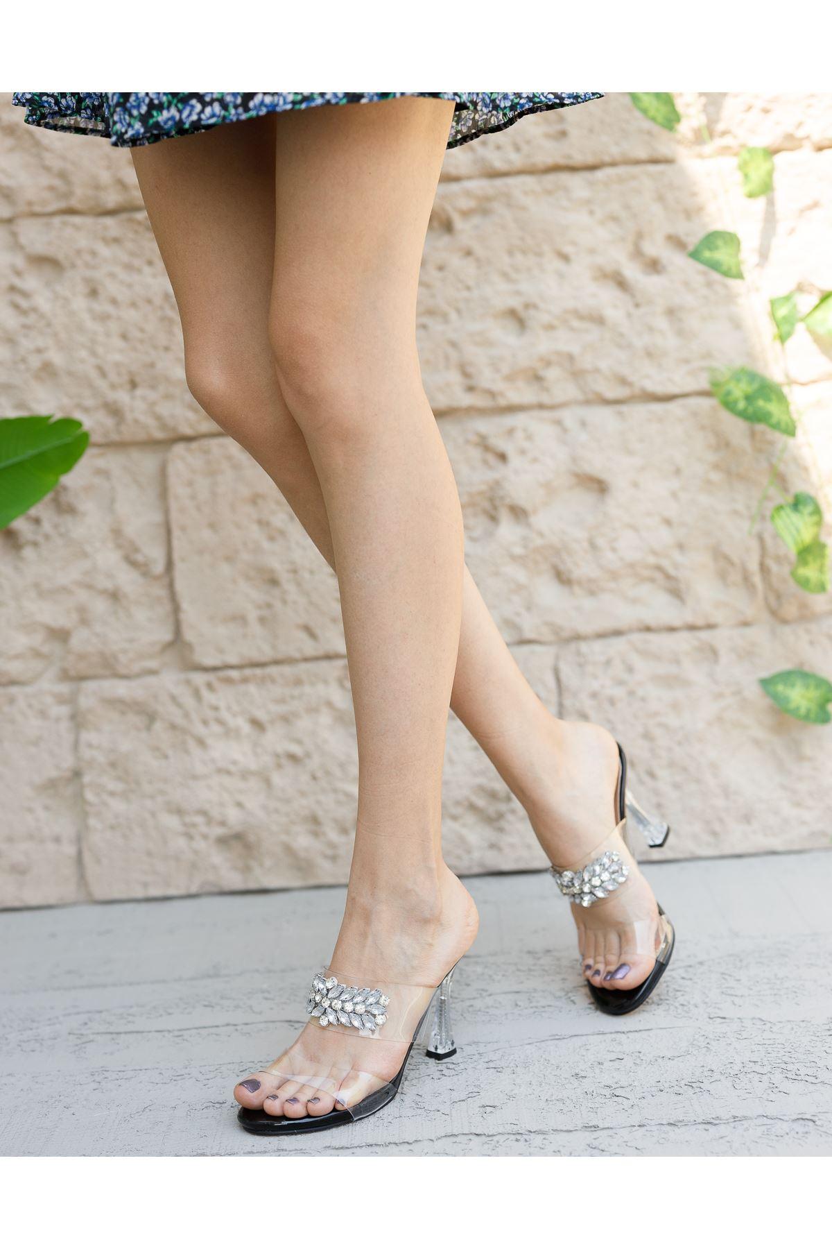 Kadın Madam Taş Detaylı Siyah Şeffaf Topuklu Terlik