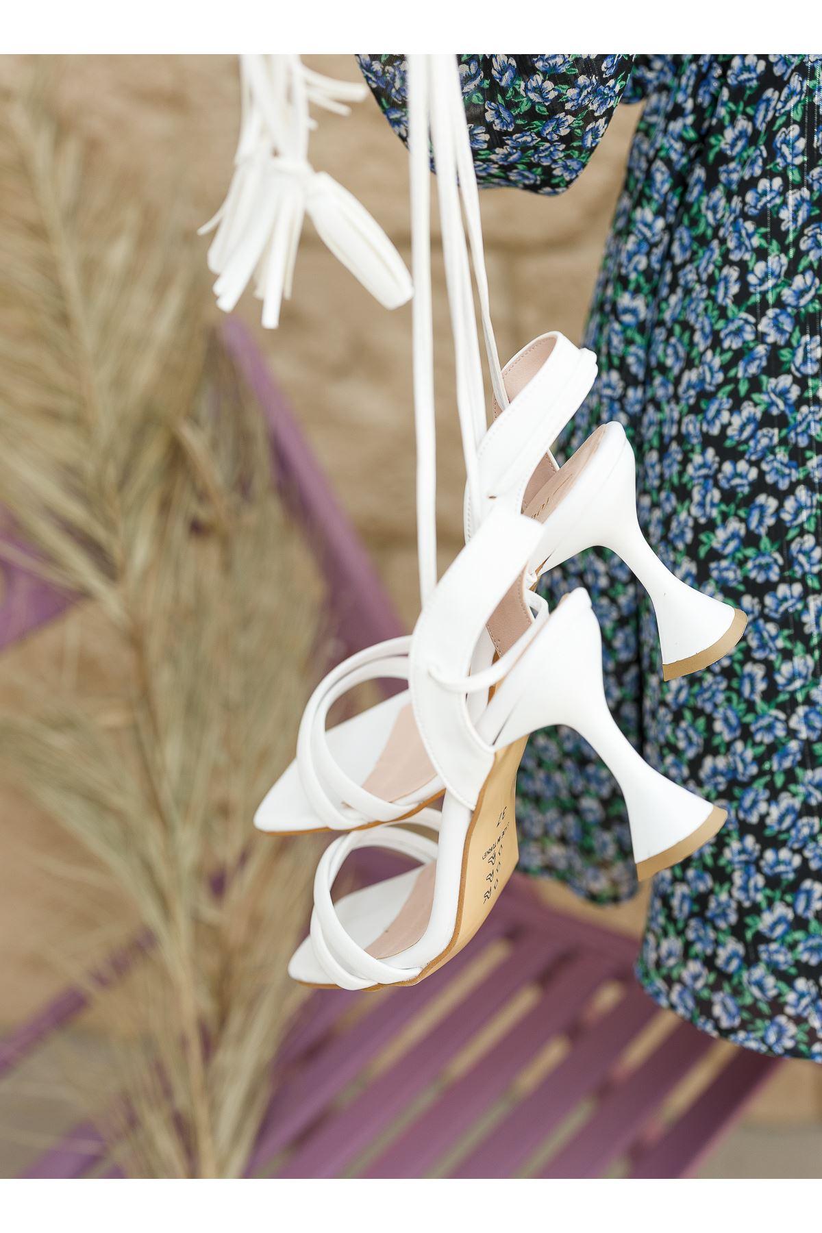 Kadın Natres Bağcık Detaylı Mat Deri Beyaz Topuklu Ayakkabı