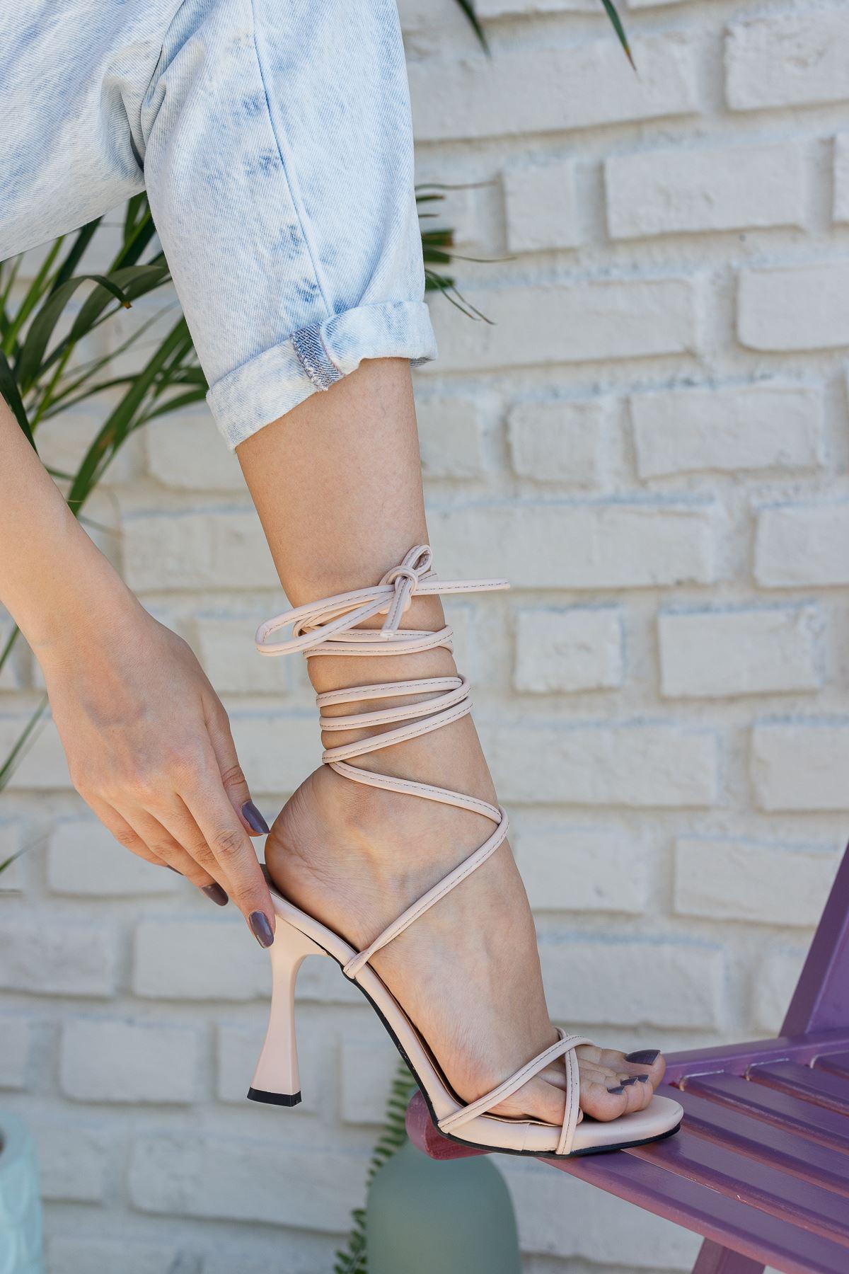 Kadın Baby Bağcık Detaylı Mat Deri Nude Topuklu Ayakkabı