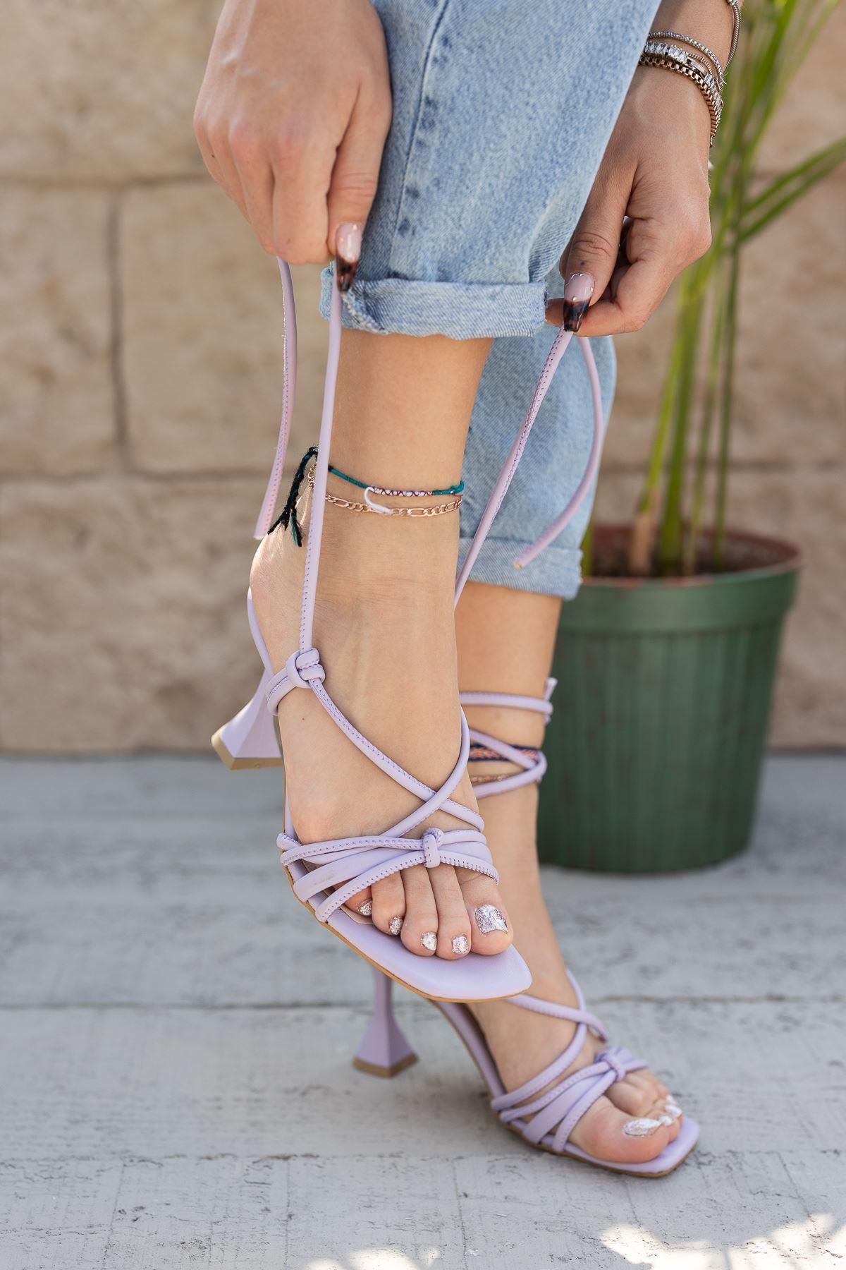 Kadın Vonder Mat Deri Bilekten Bağlama Detaylı Lila Yüksek Topuklu Ayakkabı