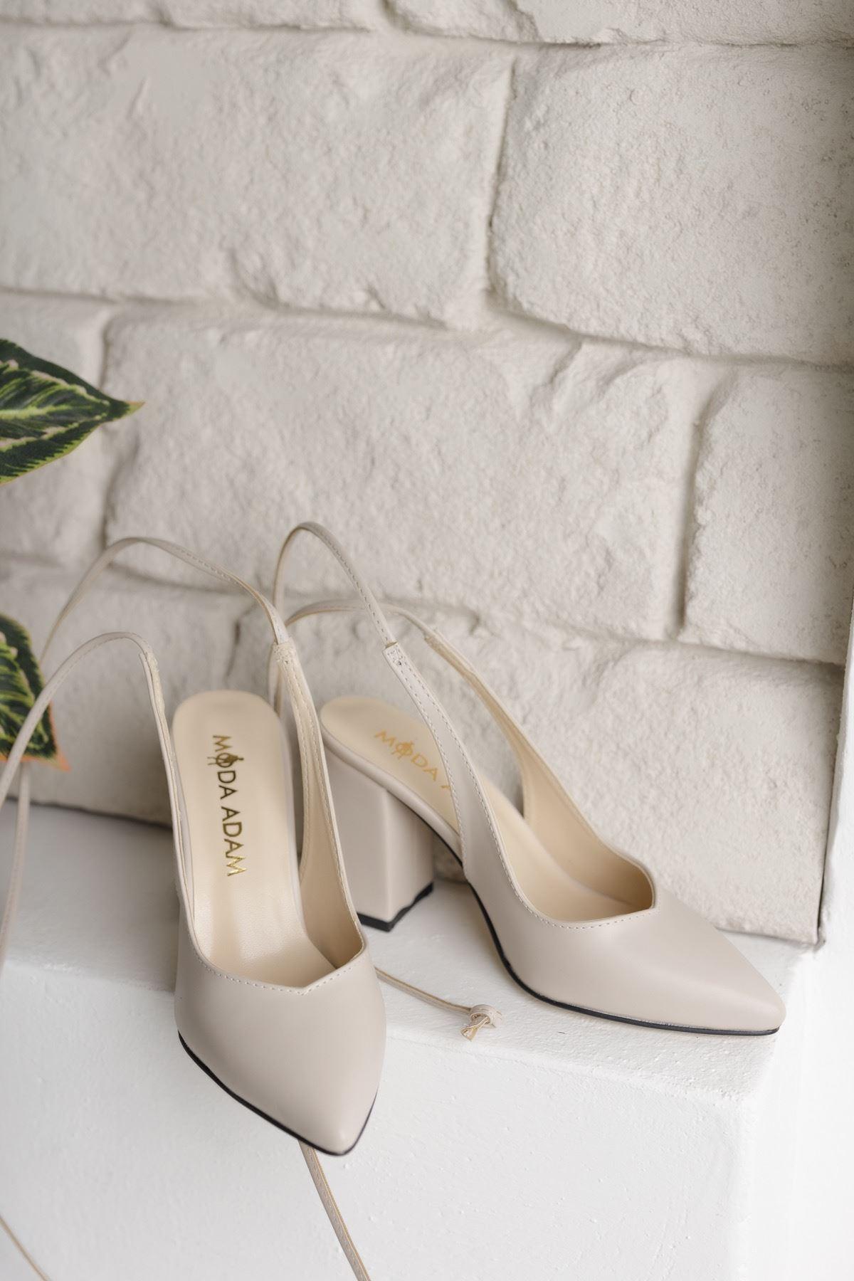 Kadın Matilda Mat Deri Ten Bağcık Detaylı Sivri Burun  Topuklu Ayakkabı