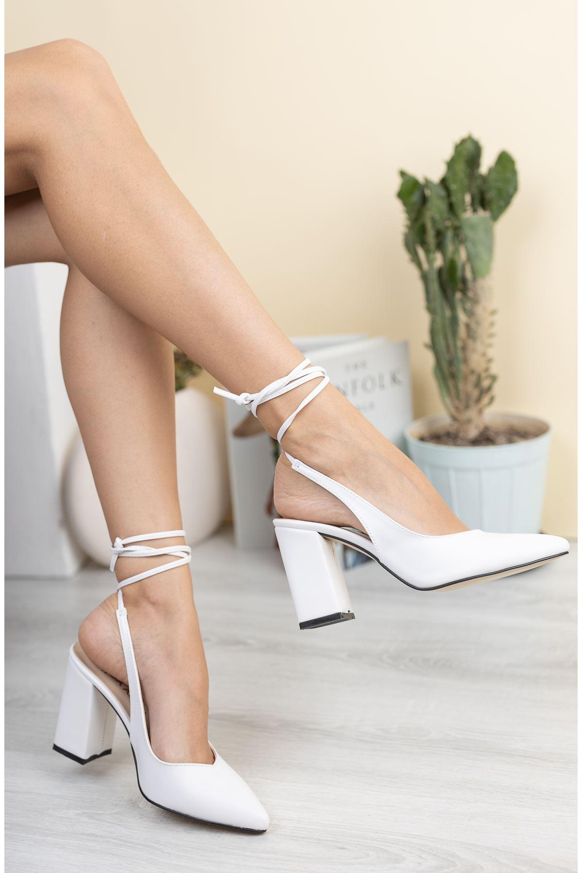 Kadın Matilda Mat Deri Beyaz Bağcık Detaylı Sivri Burun  Topuklu Ayakkabı