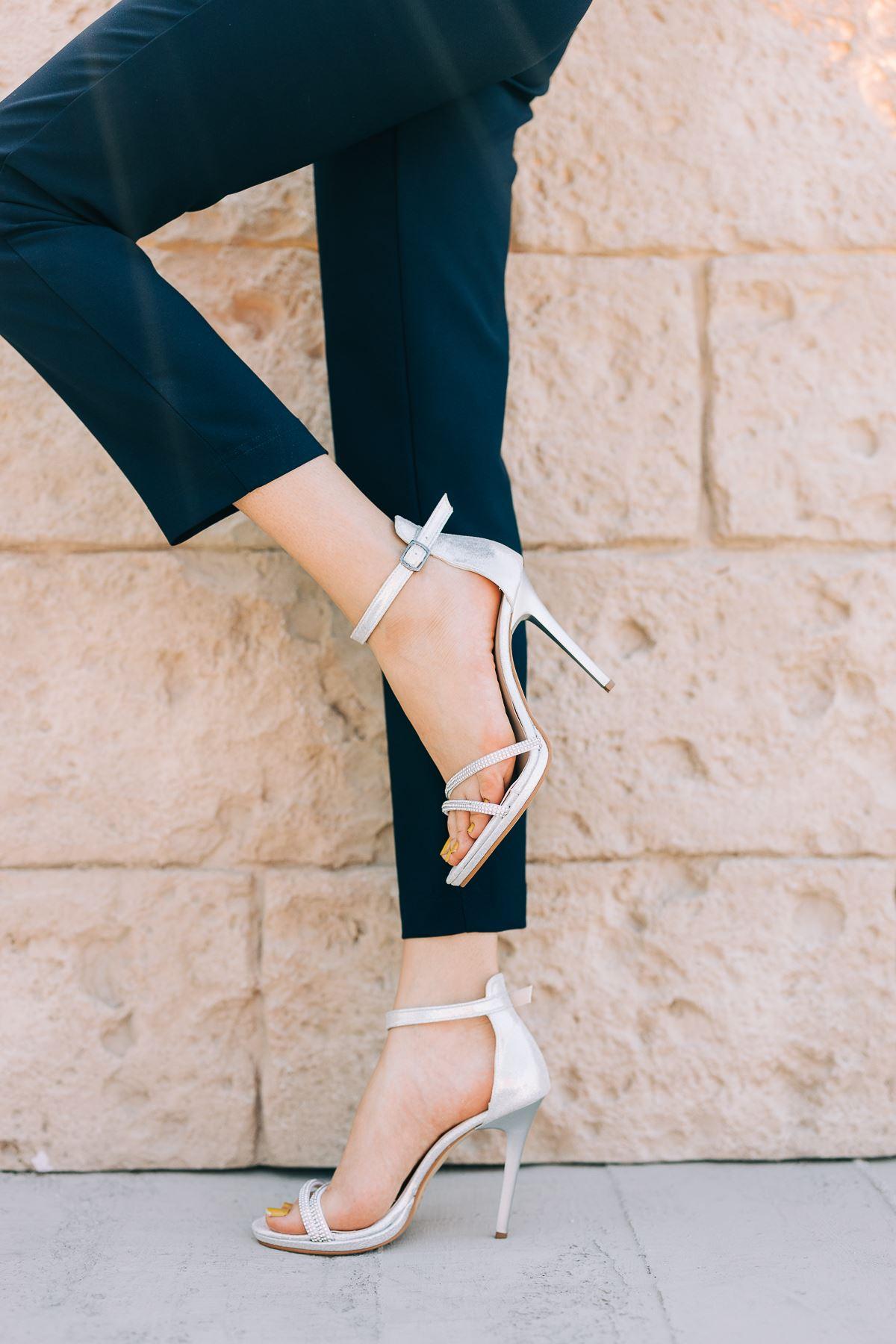 Kadın Areto Gümüş Soft Taş Detaylı Topuklu Ayakkabı