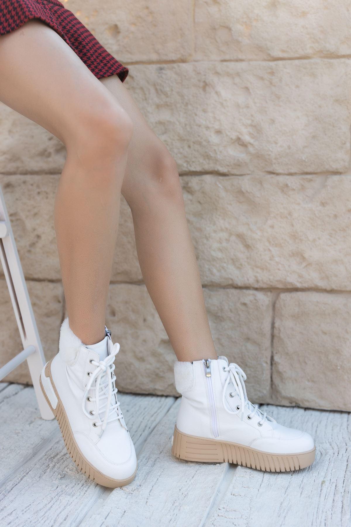 Kadın Valdes Kürk Detaylı Kalın Taban Beyaz Bot Mat Deri