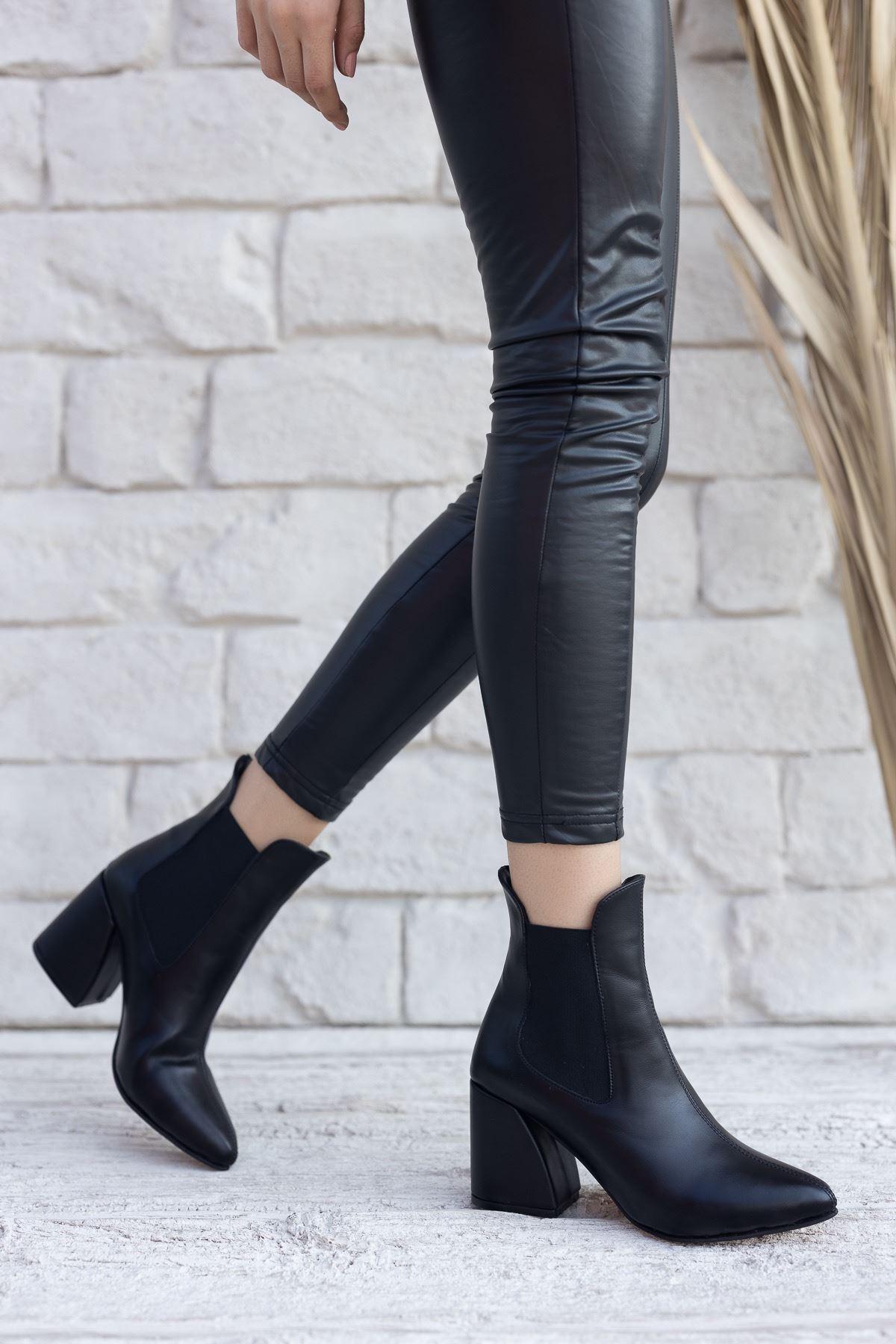 Kadın Lucy Kalın Topuklu Mat Deri Siyah Bot