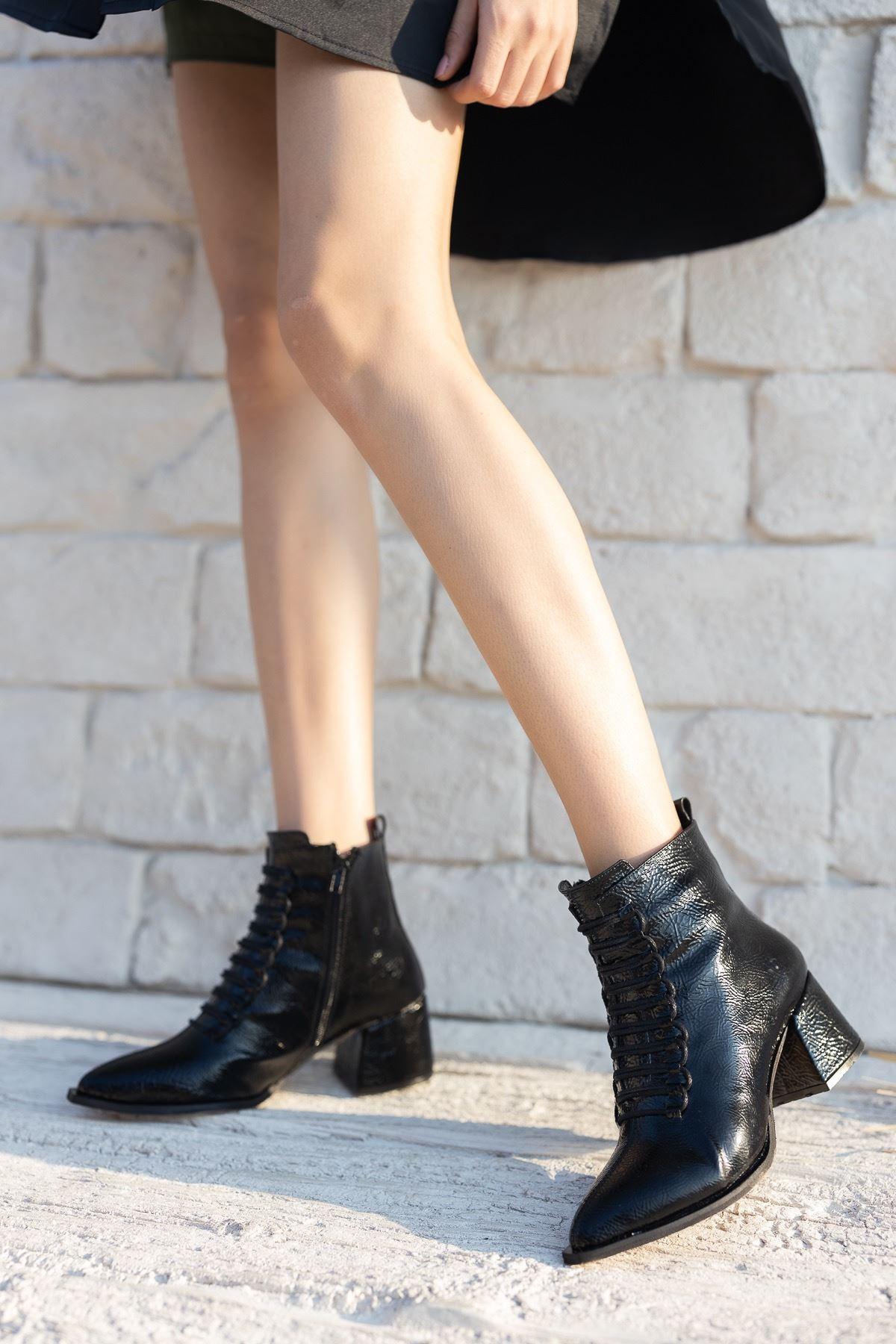 Kadın Jennifer Kısa Topuklu Siyah Rugan  Bot