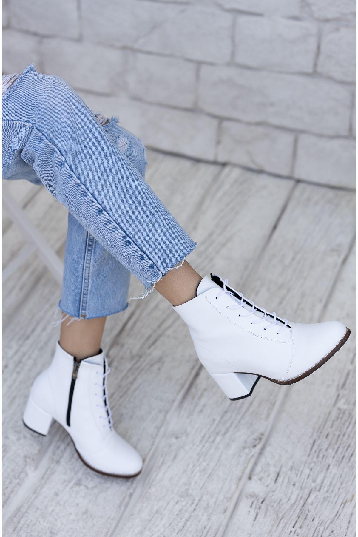 Kadın Haris Bağcıklı Kısa Topuk Mat Deri Beyaz Bot