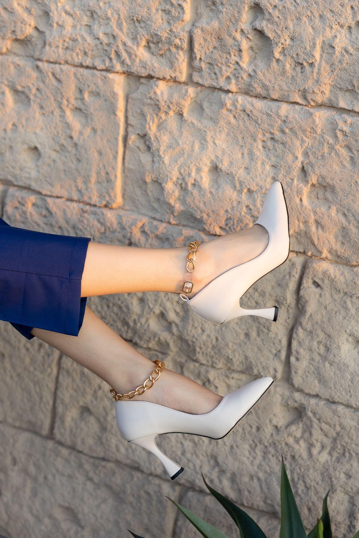 Kadın Drew Kadeh Topuklu Zincir Detaylı Mat Deri Ten Stiletto