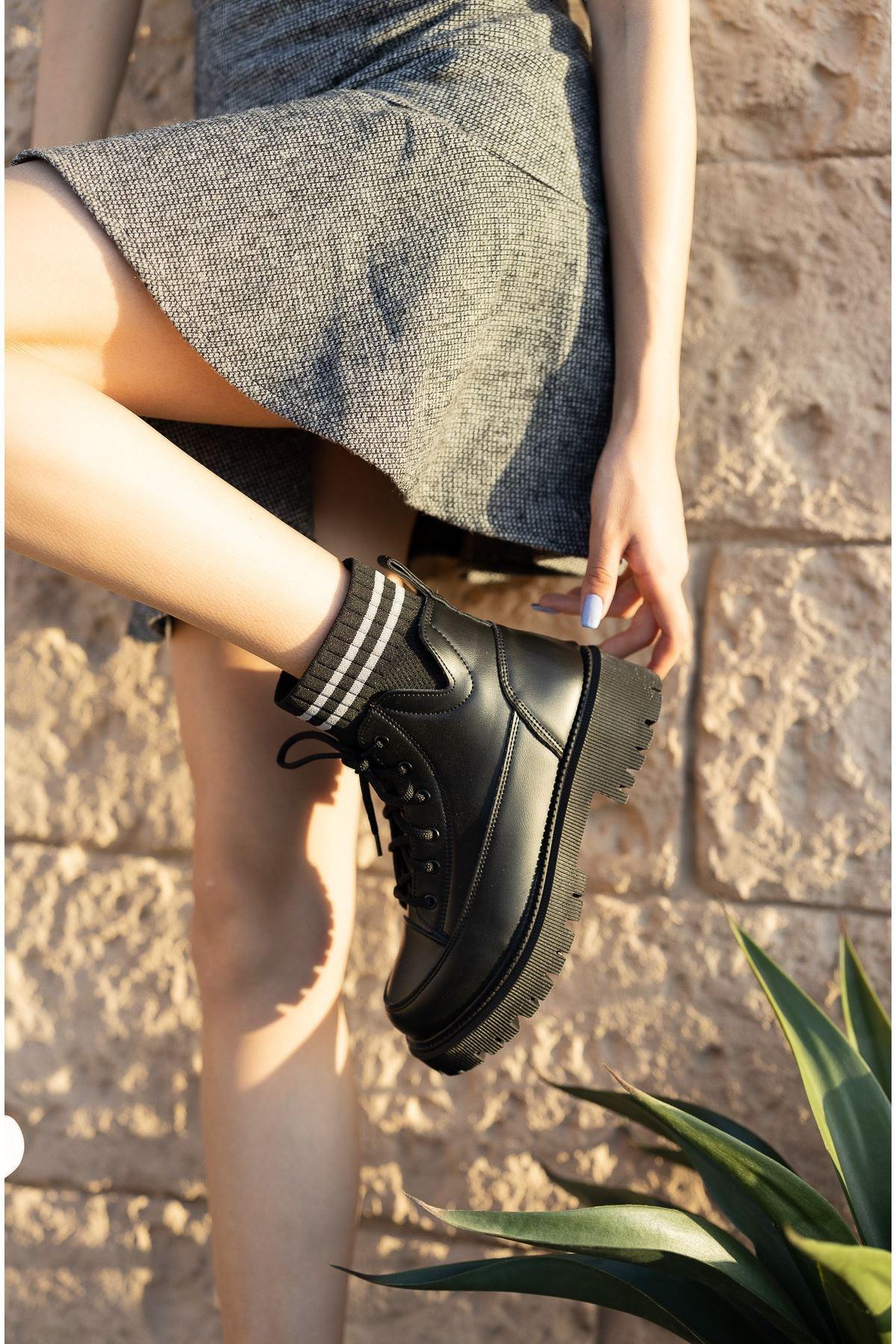 Kadın Tiger Triko Detay Kısa Topuklu Siyah Mat Deri Postal Bot