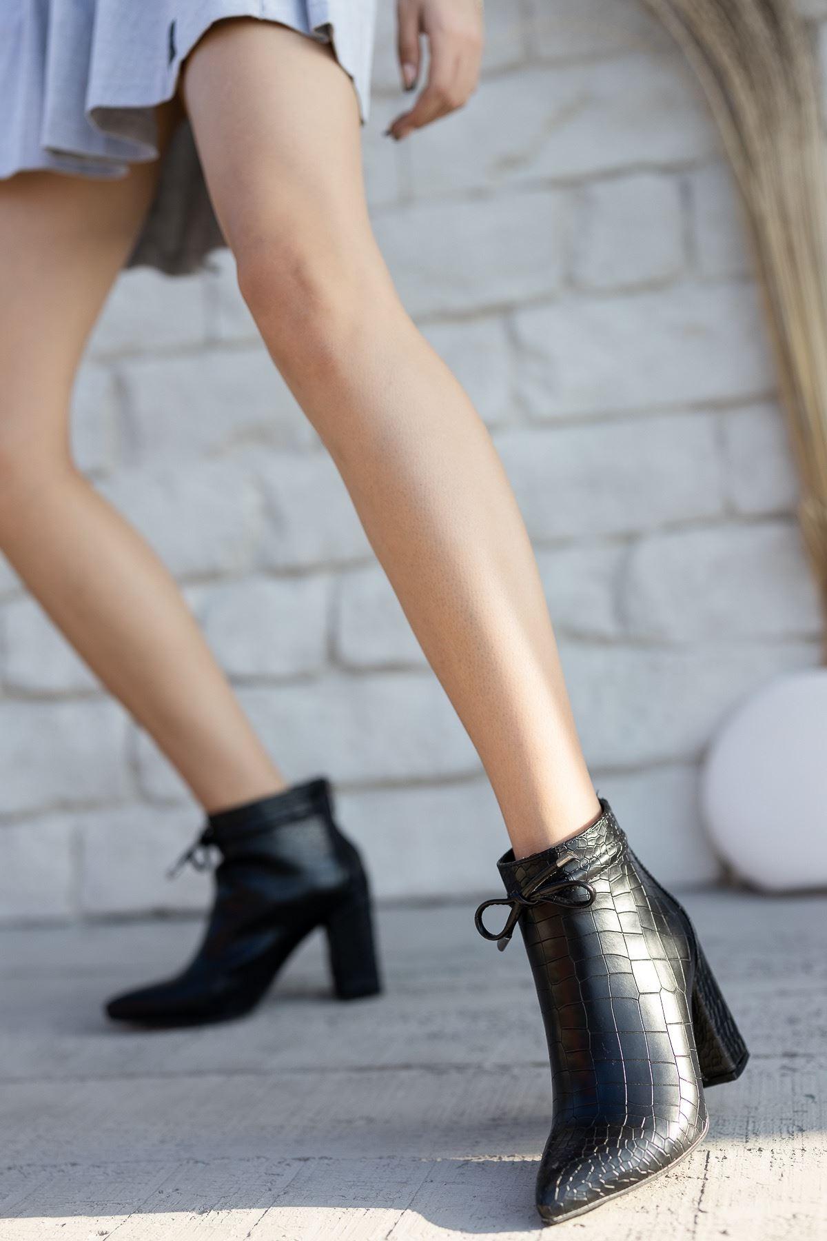 Kadın Cesi Yüksek Kalın Topuklu Kroko Mat Deri Siyah Bot