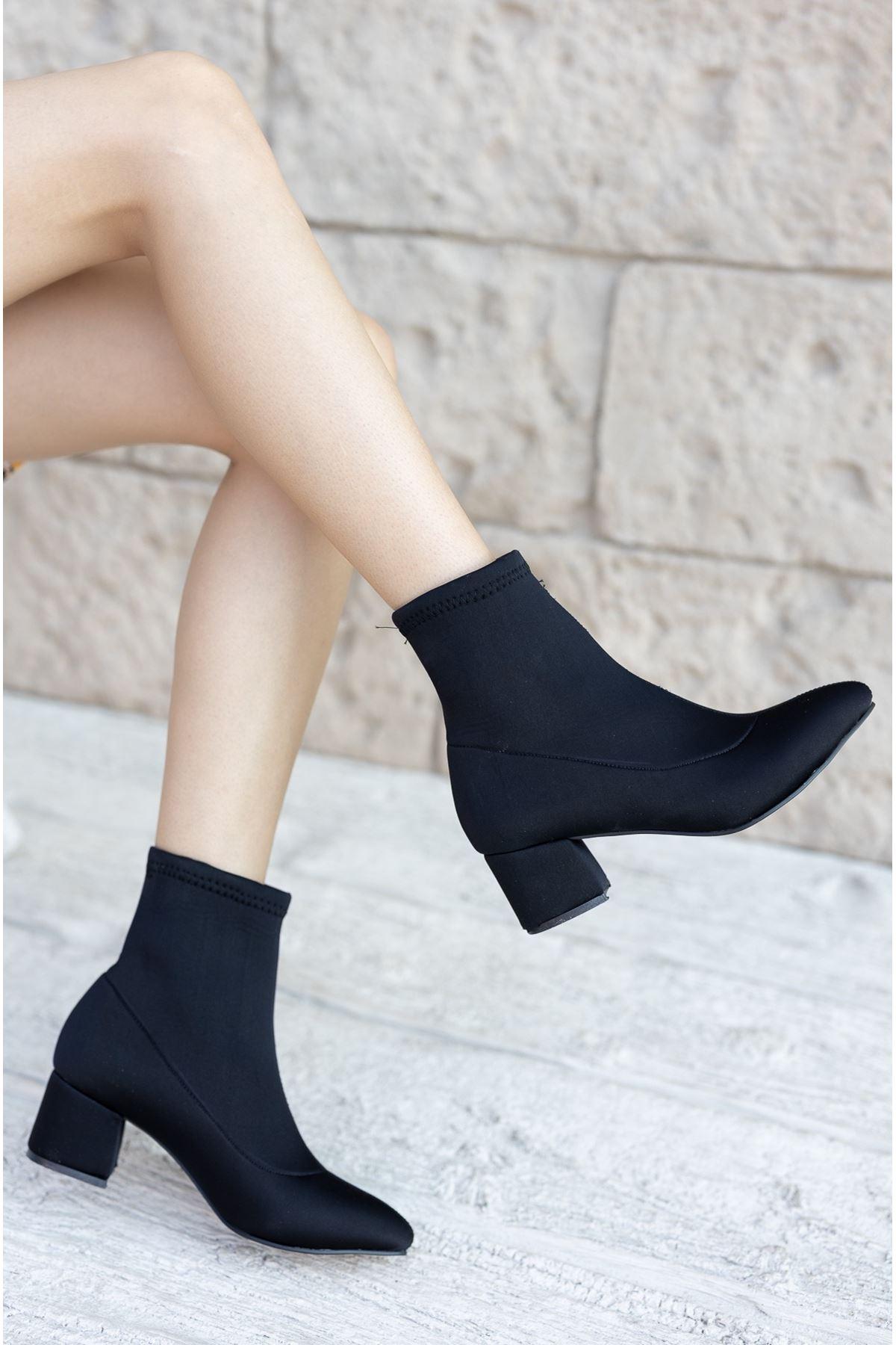 Kadın Papin Dalgıç Kumaş Detaylı Siyah Topuklu Bot