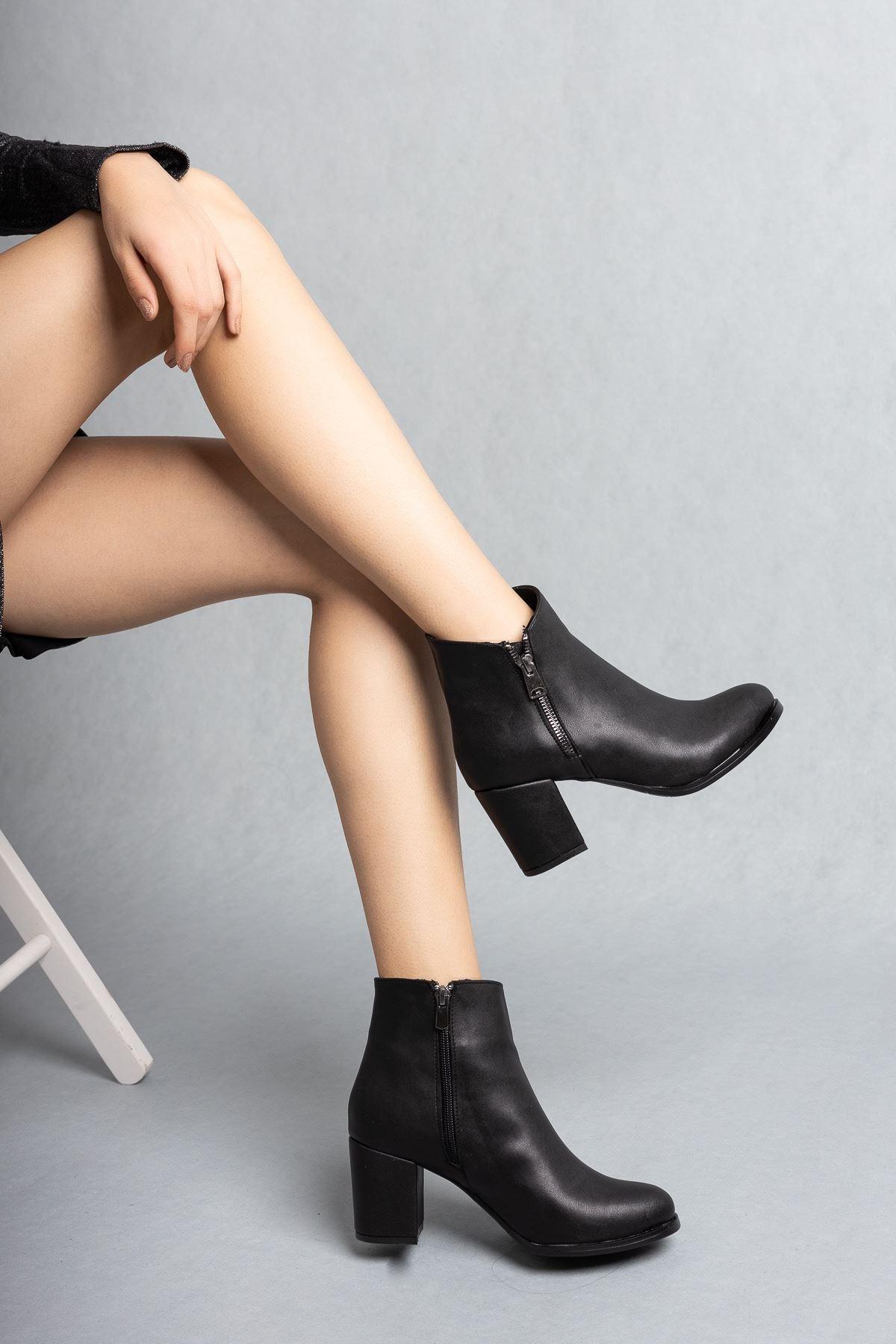 Kadın Treysi Fermuar Detay Mat Deri Siyah Bot