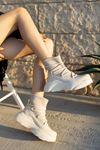 Kadın Sean Dalgıç Kumaş Detaylı Kalın Taban Ten Mat Deri Bot